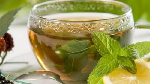 Как лечить простуду в домашних условиях? Ванны при простуде, народные средства, травы, ингаляции, массаж при простуде.