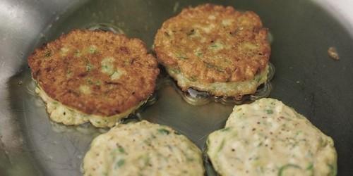 Как приготовить оладьи из кабачков: рецепты и секреты вкусного блюда