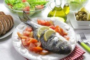 Рекомендуется употреблять морскую рыбу, которая содержит омега-3 кислоты
