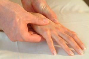 Важную роль в восстановлении имеет точечный массаж