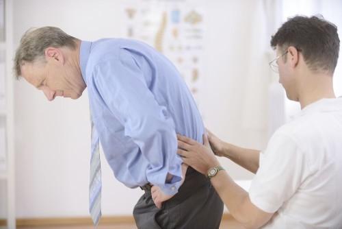 Радикулит: симптомы и лечение болезни