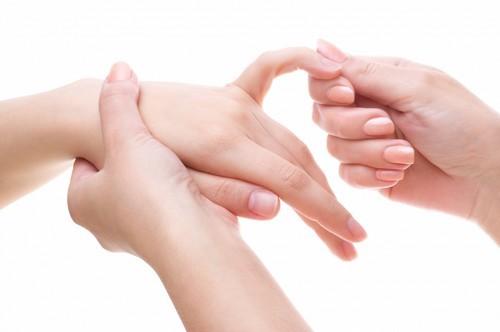 Сильные боли в руках