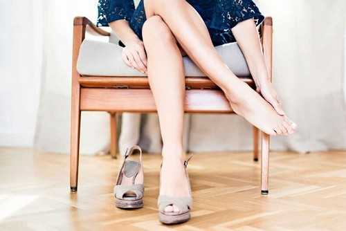 Тяжесть в ногах: почему возникает и что делать