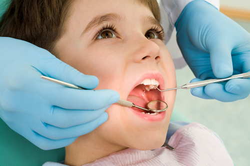 Детский стоматолог, зубы ребенка