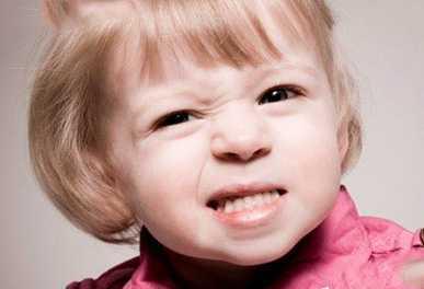 Что делать, если ребенок скрипит зубами