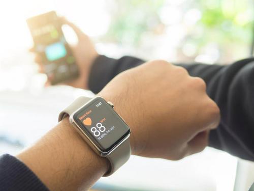 Apple Watch могут обнаружить проблемы с сердцем (но это пока не точно). Изображение номер 2