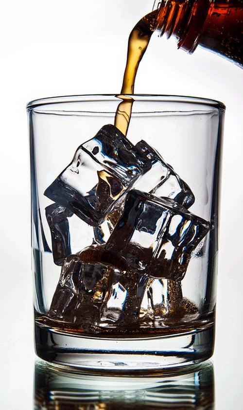 В газированных напитках содержится огромное количество сахара