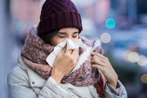Как правильно кашлять и чихать, чтобы не заразить других. Изображение номер 2