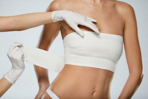 Американские специалисты нашли связь между лимфомой и грудными имплантатами. Изображение номер 2