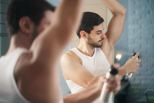 Ультимативный гид по поту: как бороться с потливостью и неприятным запахом. Изображение номер 12
