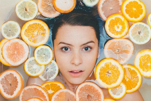 Если вы – аллергик со стажем, от самостоятельной ароматерапии лучше отказаться