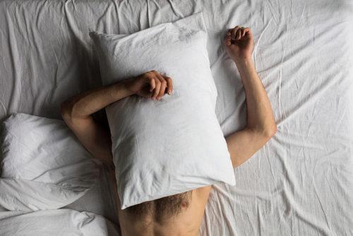 Я люблю спать голым. Это нормально?. Изображение номер 3