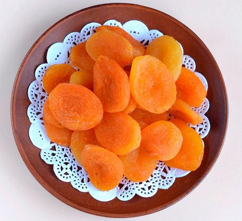 Людям, страдающим лишним весом, курага заменит сладости