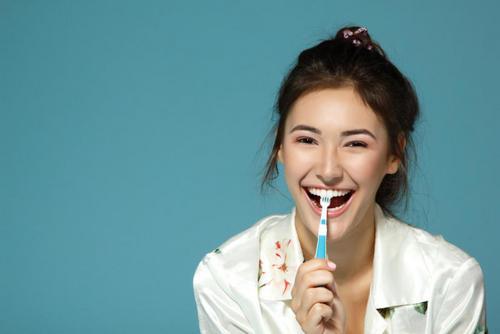 Ультимативная инструкция: как правильно чистить зубы. Изображение номер 7