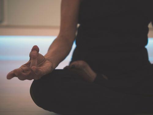 Только спокойствие: для чего нужна медитация