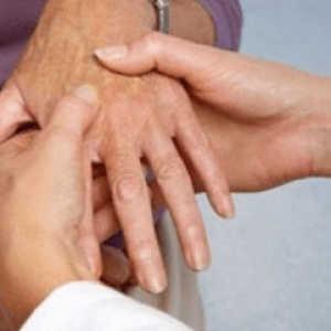 Артрит лучезапястного сустава: причины, симптомы и лечение