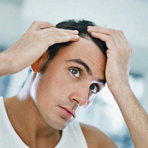 Прыщи на голове в волосах у мужчины: причины и лечение