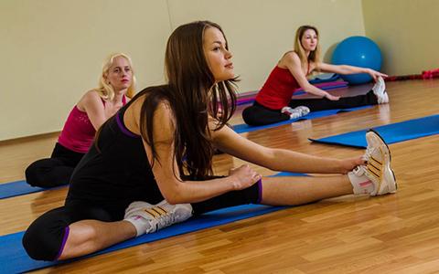 Упражнения для развития гибкости тазобедренных суставов, плечевых суставов, позвоночника.