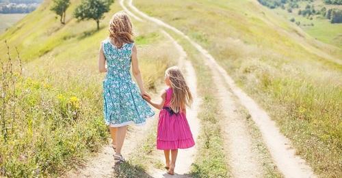 Как рассказать дочери, об особенностях женского организма